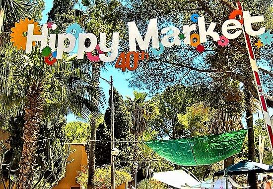 Las Dalias Hippy Market'in girişi.