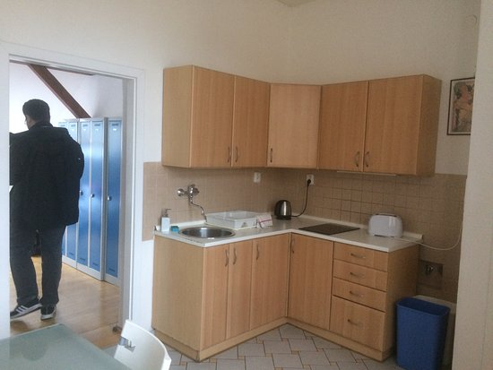 Rosemary Hostel: cozinha do quarto