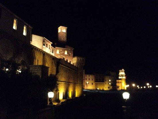 Fourways, Sudáfrica: Un giro di notte al Montecassino