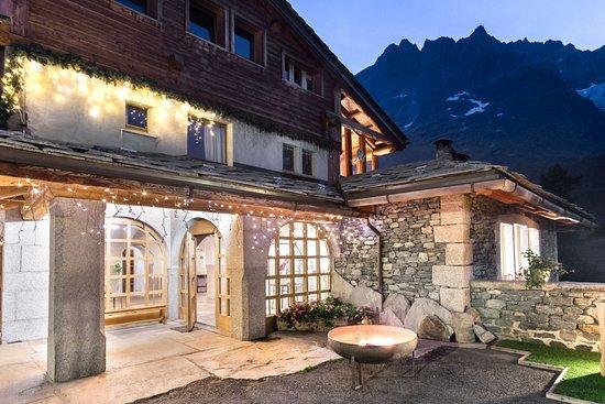 Entrance - Picture of Saint Hubertus Resort, Breuil-Cervinia - Tripadvisor