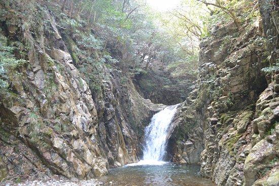 Inabe, Japan: 目的地(魚止滝)駐車場から徒歩約40分
