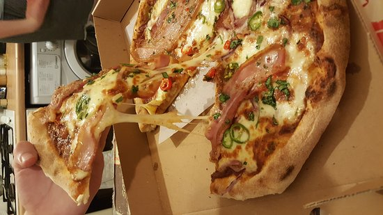Pizzaface: Vindaloo Pizza colab with Curry Leaf Cafe INSTA: aylaeats