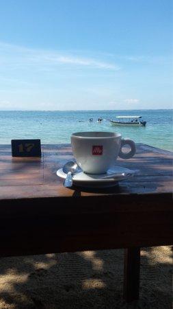 Cemara beach  Bar & Restaurant: 20160822_101544_large.jpg