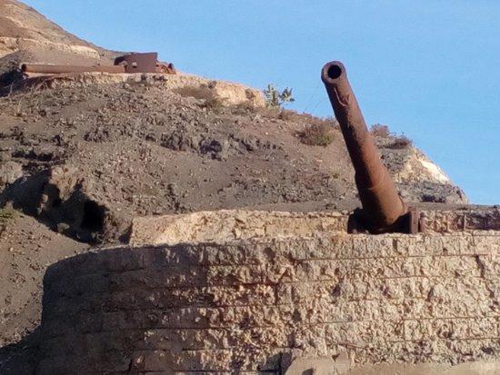 Mindelo, Πράσινο Ακρωτήριο: many Old canons