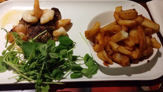 Holmes Chapel, UK: Surf and turf with watercress