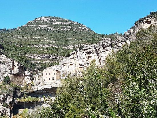 Monasterio de San Miguel del Fai