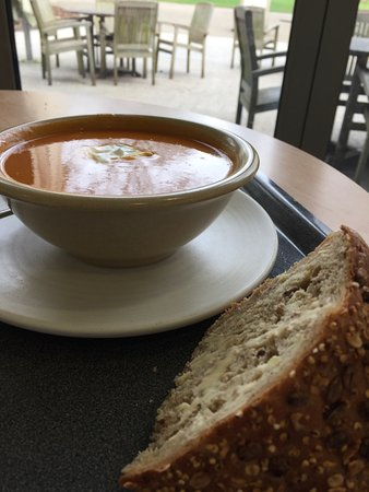 Haywards Heath, UK: sweet potato soup and bread