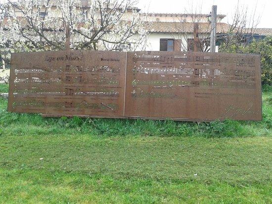 Lanuvio, Itália: Belle sculture da vedere