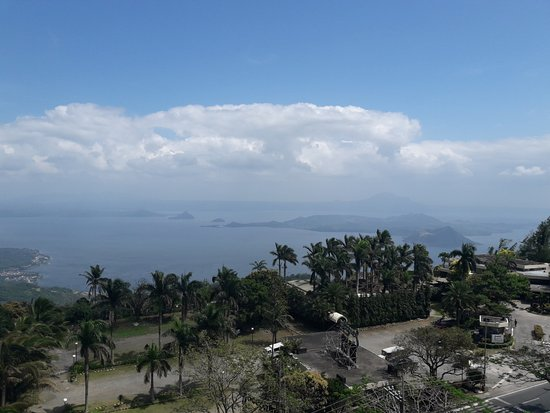 Summit Ridge Tagaytay: Awesome view of Taal Volcano