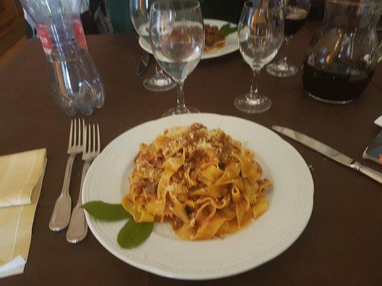 San Venanzo, Italia: Ristorante pizzeria Tulliola