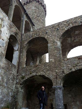 Castello Malaspina di Fosdinovo: Castello Malaspina di Fosdinovo