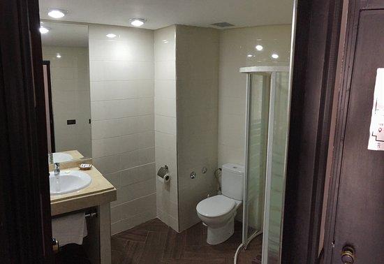 Salle de bain Chambre double Sawni Picture of Hotel Swani Meknes