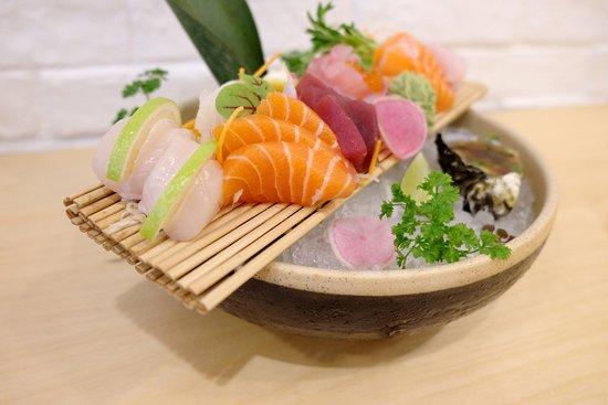 Cronulla, Australia: sashimi deloxe