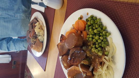 Pucklechurch, UK: New Mangers, great carvery