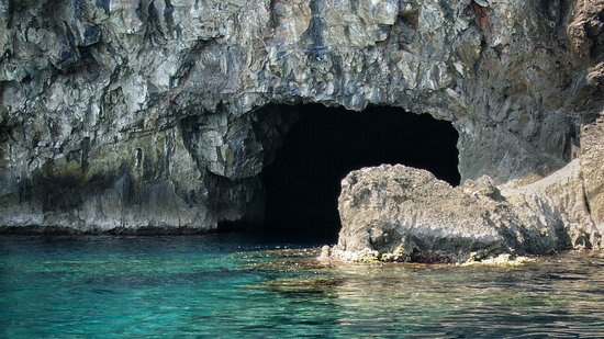 """Chorefton, Greece: Boat Trip to the """"Sea Caves of Thetis"""""""