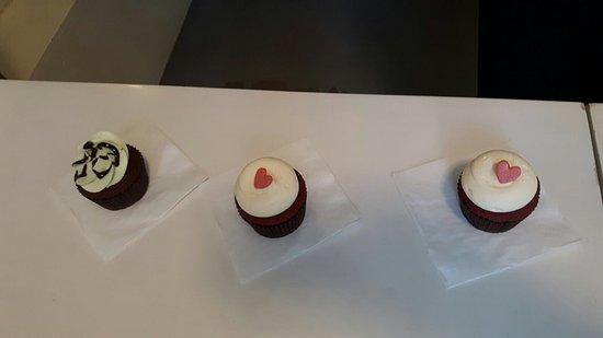 Van Ness Cupcake: photo0.jpg