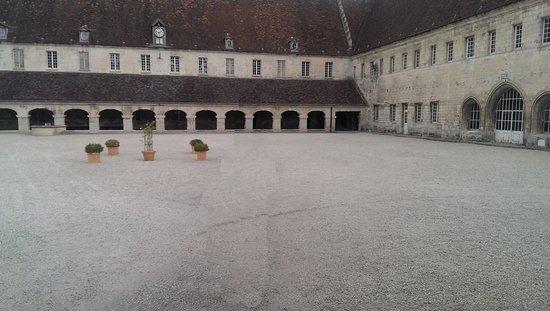 Pontpoint, France: Cour intérieure
