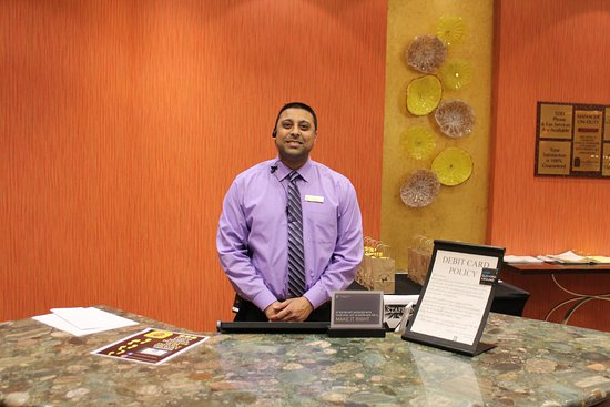 Embassy Suites by Hilton San Marcos - Hotel, Spa & Conference Center: Jay P