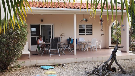 Hamlet Oasis Resort: View of the terrasse on the west side of the apartment
