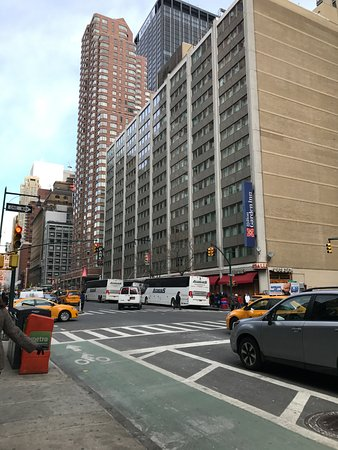 Hilton Garden Inn Times Square: Hotel From 8th Street View