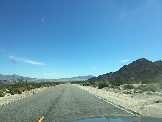 High Desert Motel: on the way there.....