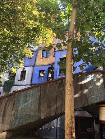 Hundertwasserhaus: photo4.jpg