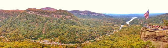 Lake Lure, Kuzey Carolina: Chimney Rock State Park is only 1 mile away from the Inn!