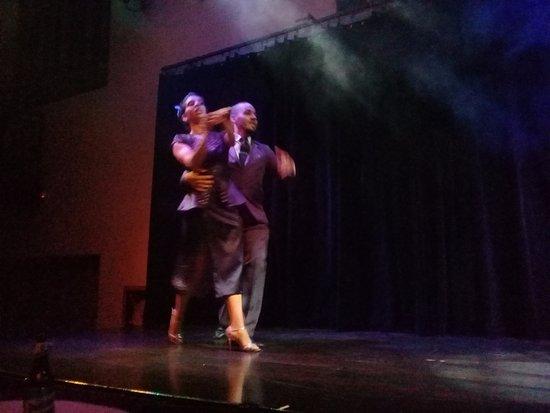 Complejo Tango: felicitaciones