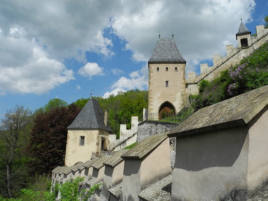 Karlstejn, Tjekkiet: a closer look at the castle's walls