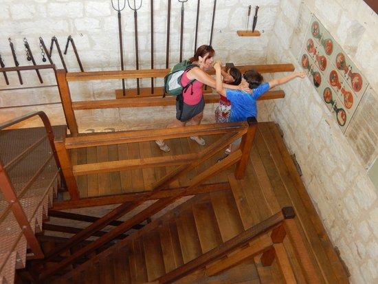 Pazin, Croatie : Sala de armas del Castillo de Pazín