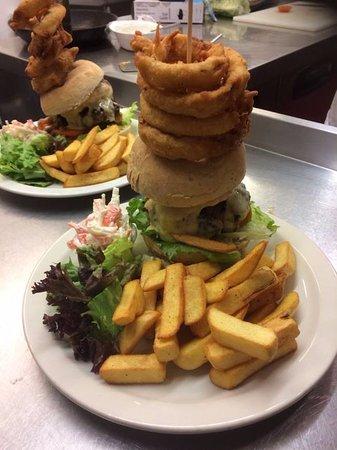 Edenbridge, UK: the crown burger