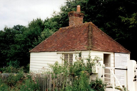 Haywards Heath, UK: Gatehouse at Nymans Gardens © Robert Bovington