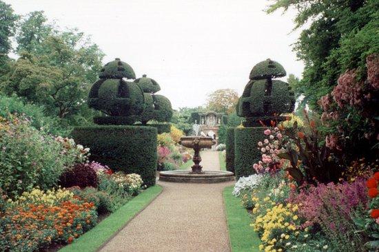 Haywards Heath, UK:  Nymans Gardens  © Robert Bovington
