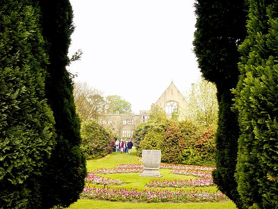 Haywards Heath, UK:  Nymans Gardens  © Robert Bovington