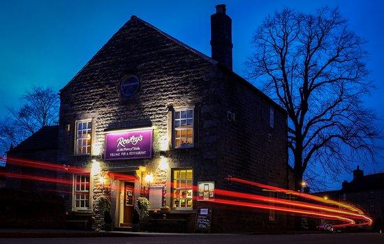 Baslow, UK: Rowley's Village Pub and Restaurant