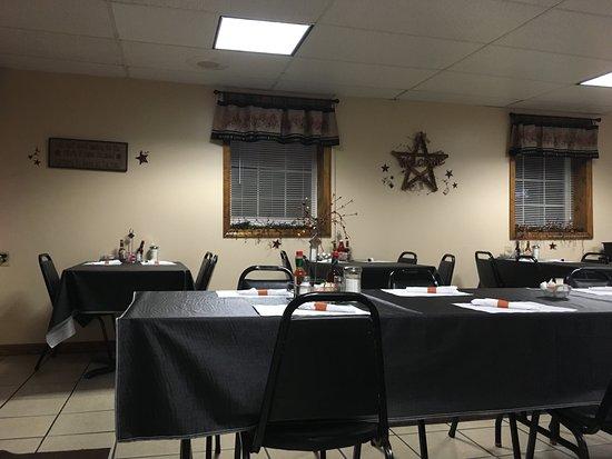 Mill Run, PA: Inside the restaurant