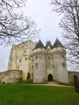Nogent-le-Rotrou, França: Balade en ville et au château