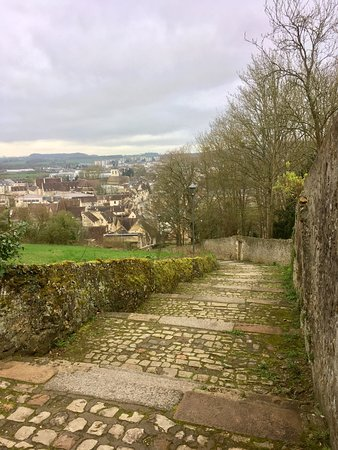 Nogent-le-Rotrou, Prancis: Balade en ville et au château