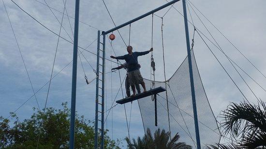 U Coral Beach Club Eilat: אין על צוות הטרפז . . גל, דרור והבנות. על ההקשבה, הסלבנות והמקצועיות.