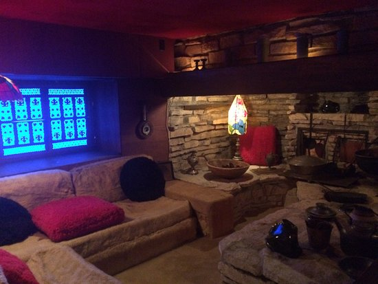 House on the Rock : Living Room of original house