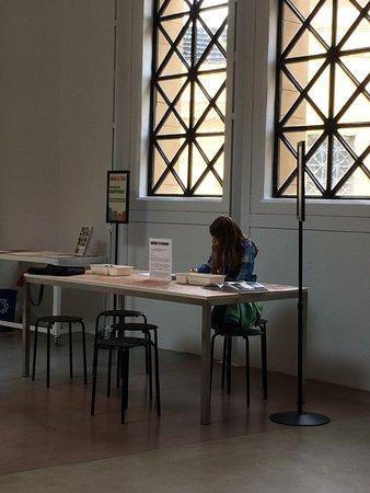 Palo Alto, CA: art area for children