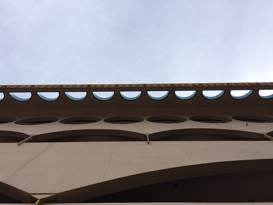 San Rafael, CA: roof line