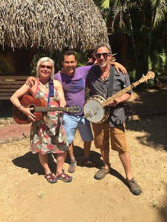 Cabuya, คอสตาริกา: Yes we played music!
