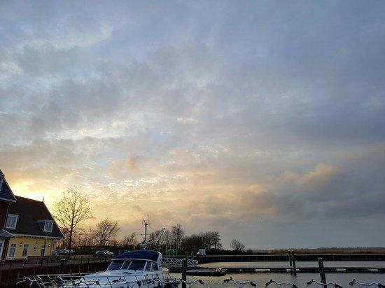 Huizen, Niederlande: 20170319_184505_large.jpg