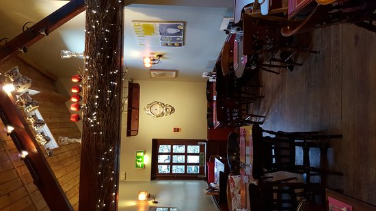 Burton-in-Kendal, UK: The Restaurant and Bar