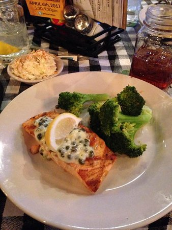 Cedar Falls, IA: Grilled Salmon at lunch, and raspberry tea!