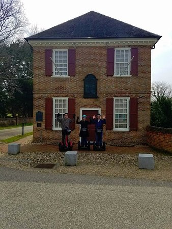 Yorktown, VA: In front of the Customs House