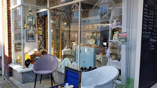 East Cowes Emporium: We Sell A Whole Range Of Items From Antique Furniture  To Shabby