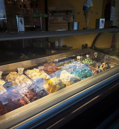 Nersingen, Γερμανία: Leckeres selbstgemachtem Eis