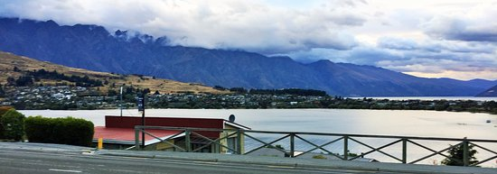 Pounamu Apartments: View from the hotel